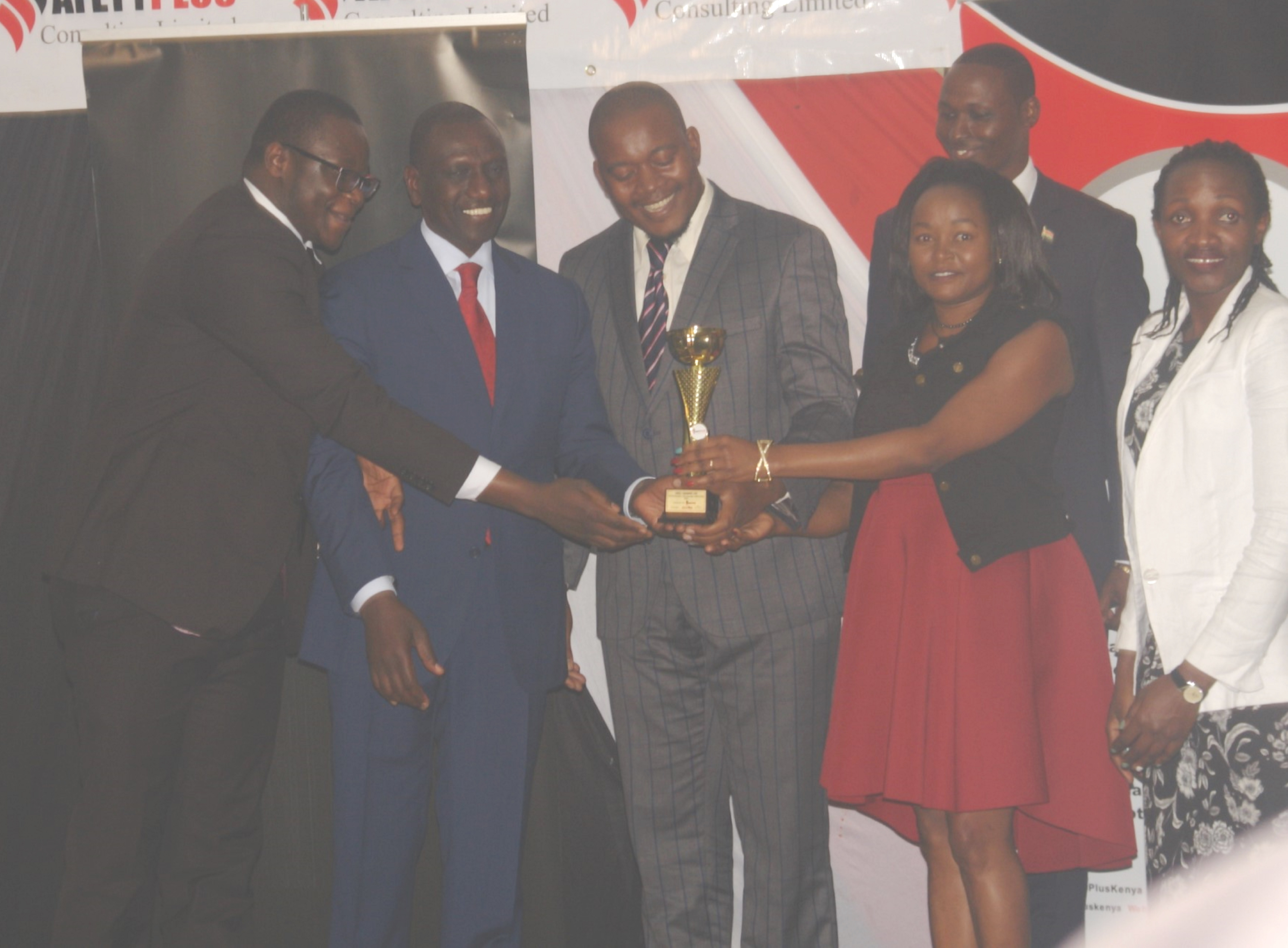 Ruto VAELL Safety Awards (1)